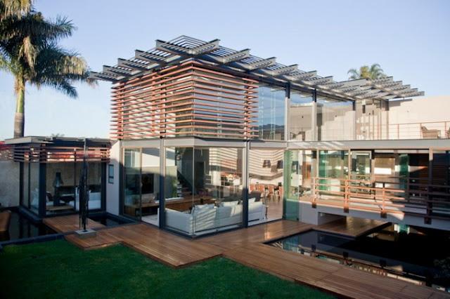 Дом с прозрачными стенами