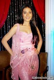 snaps of Amrita Rao actress