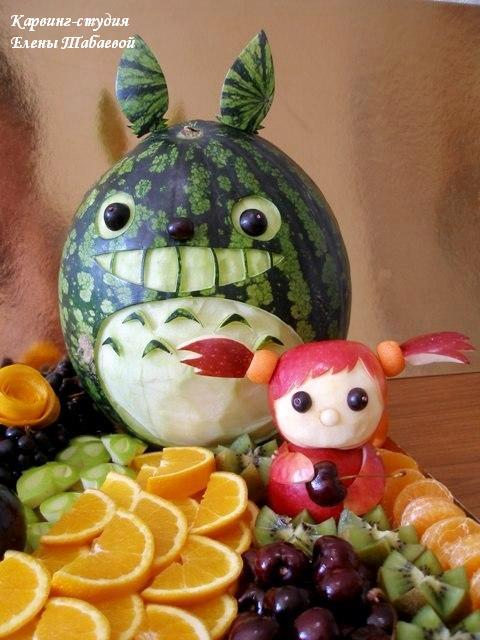 тоторо фруктовая скульптура