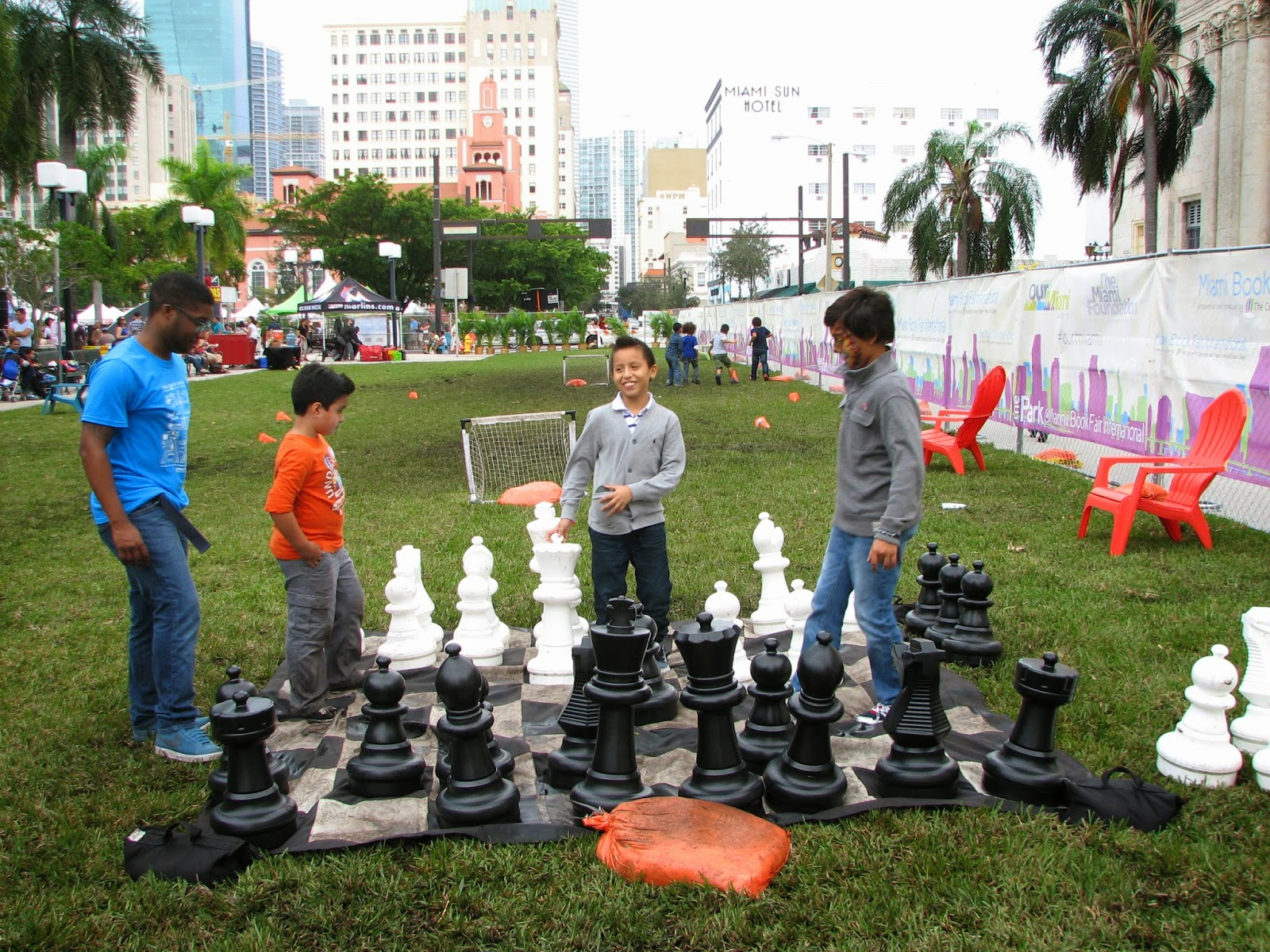 Bonao internacional juego de ajedrez gigante para for Ajedrez gigante para jardin