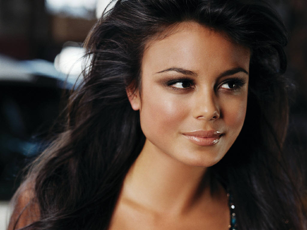 Nathalie Kelley: