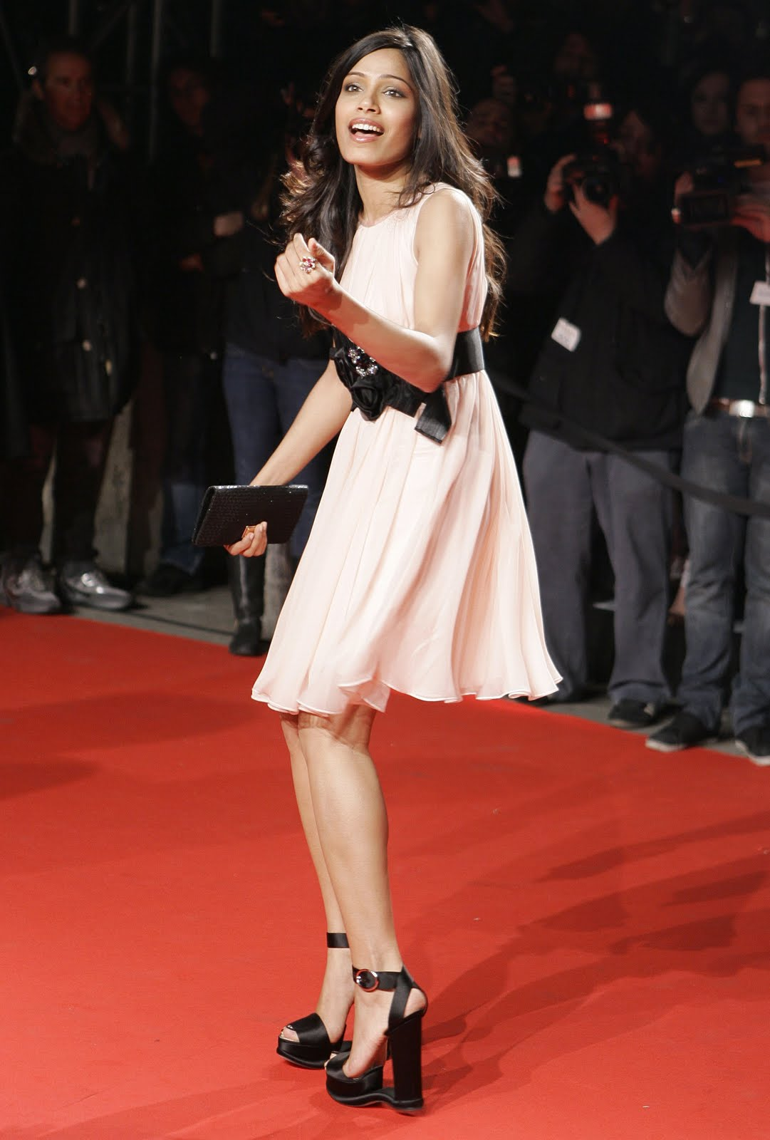 freida pinto photo gallery 03