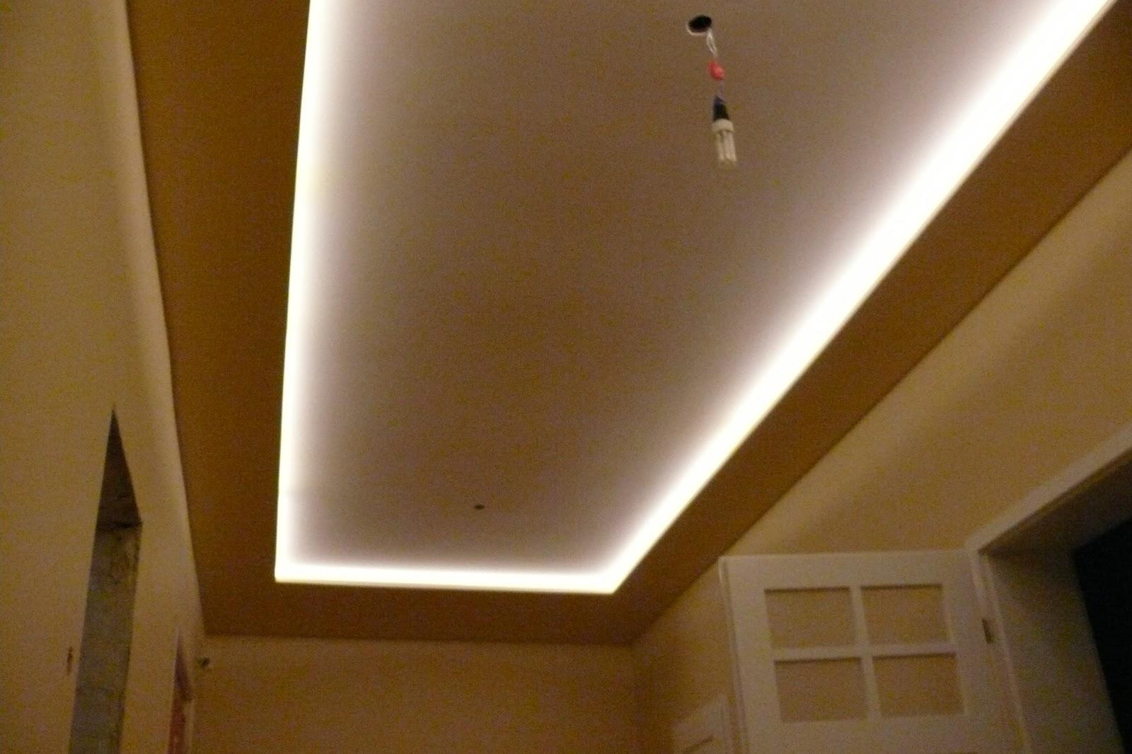 Zabudowa sufitu karton gips oraz podświetlanie sufitu listwa ledową