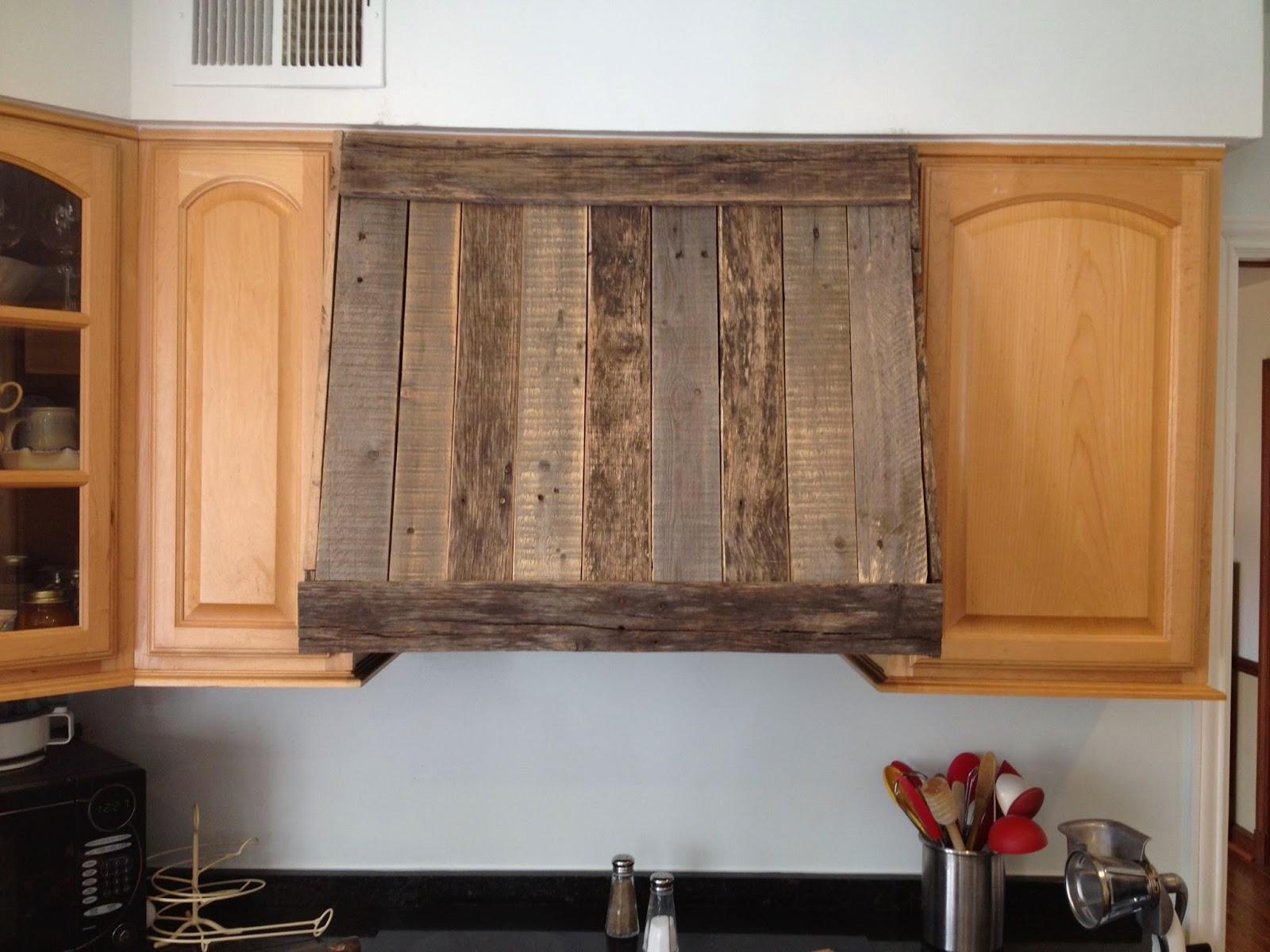 Campana de cocina hecha con tablas de - Muebles de palets para cocina ...