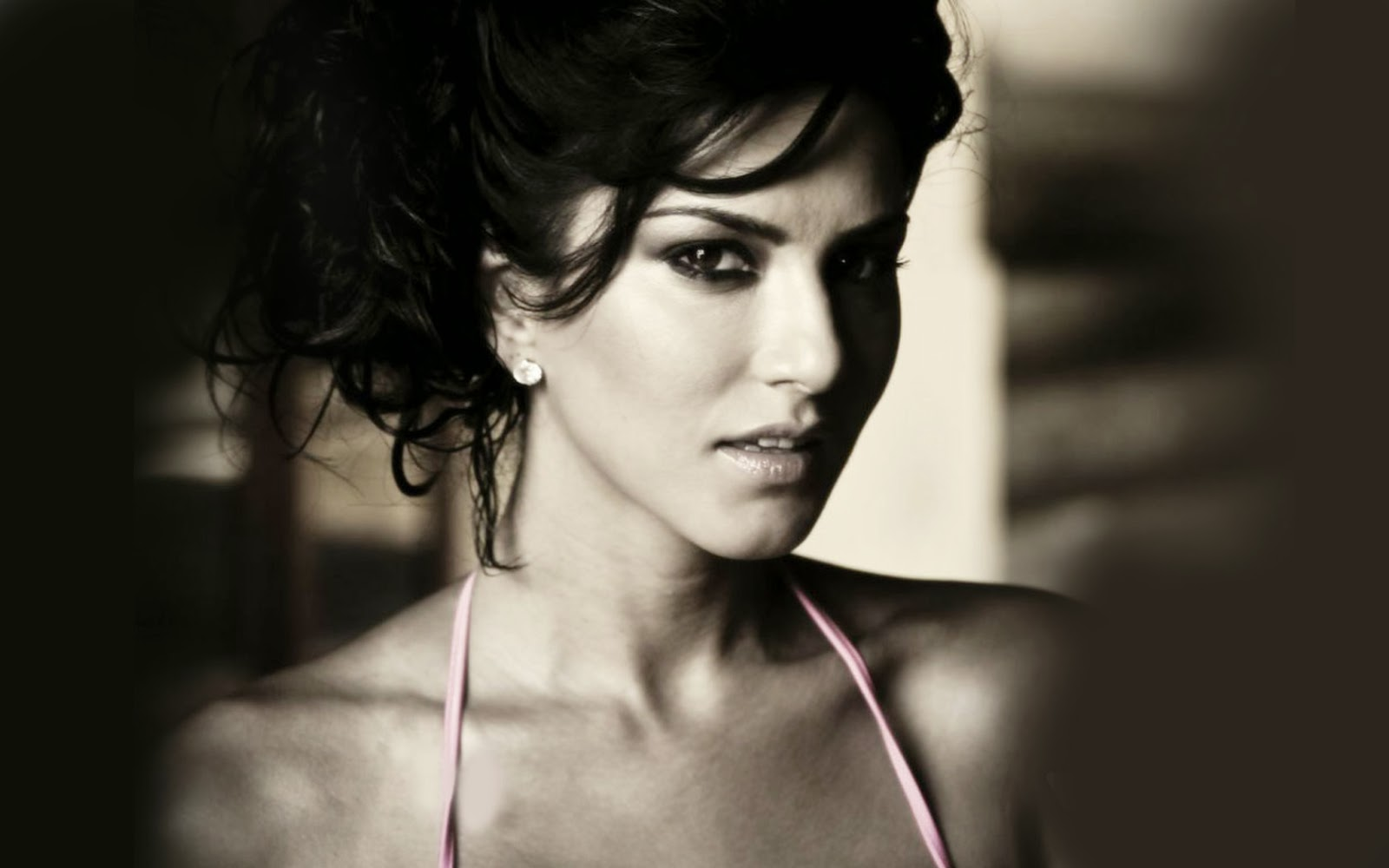 SUNNY LEONE_WALLSTOWN_IN_BOLLYWOOD ACTRESS