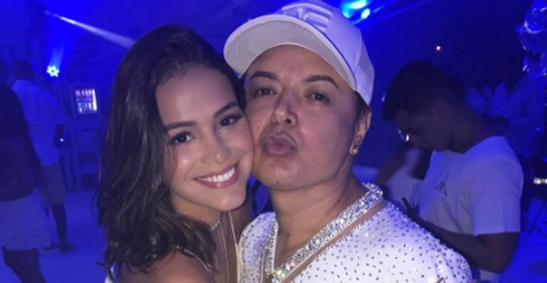 """David Brazil posa com Bruna Marquezine: """"Princesinha"""""""