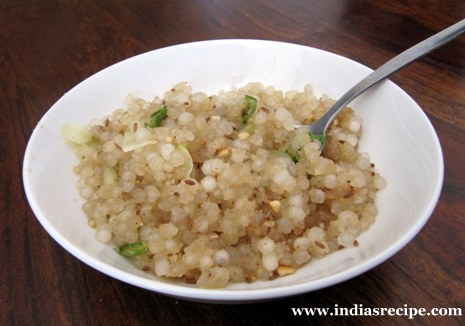 Sabudana (Sago) Khichadi - Maharashtrian style Vrat/Upwaas recipe