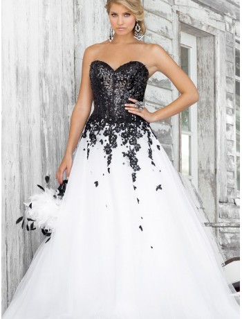 Raining Blossoms Prom Dresses: Black and White Prom Dresses Spicy Up ...