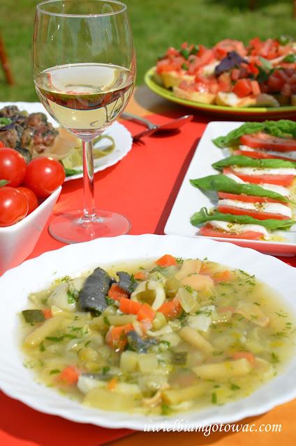 Minestrone (Włoska zupa z warzywami i makaronem)