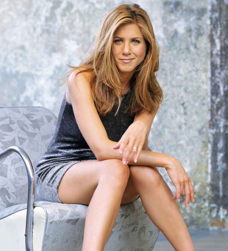 Jennifer Aniston loves Belly-Dancing and believes Social Media is No Good for Friends