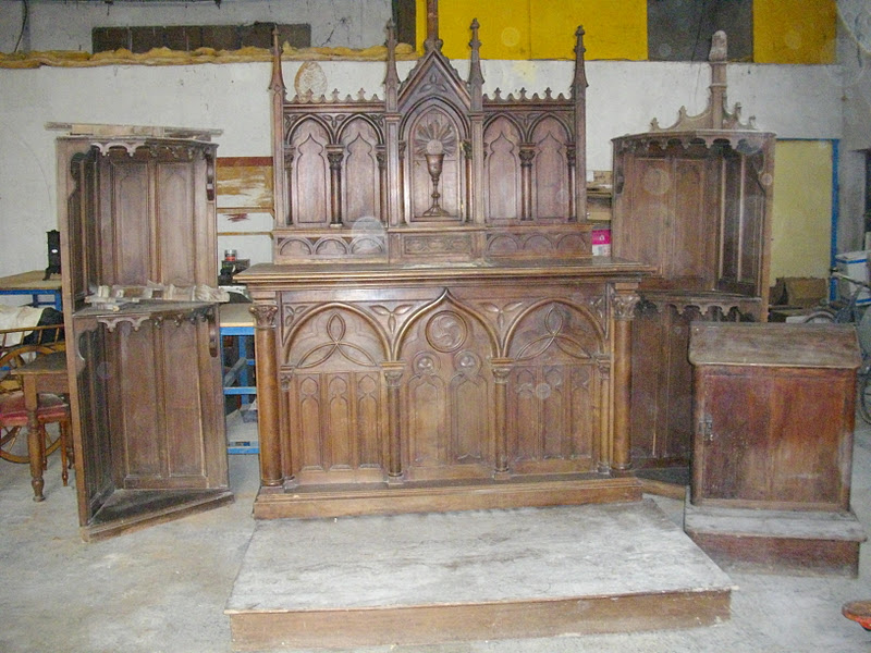 ancien meuble d 39 glise religieux neo gothique tabernacle r table prie dieu i. Black Bedroom Furniture Sets. Home Design Ideas