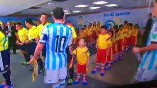 Lionel Messi brise le coeur d'un enfant