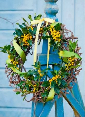 Holly decorations, BERRY RING