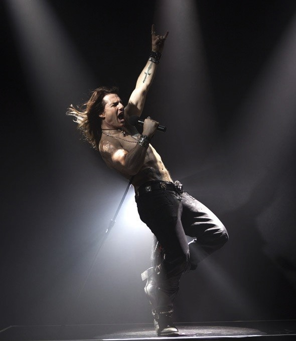 tom cruise rock of ages transformation. dresses Tom Cruise Ready To Do #39;Rock tom cruise rock of ages photos.