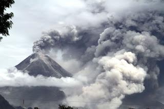 Tips Menghadapi Bahaya Abu Vulkanik