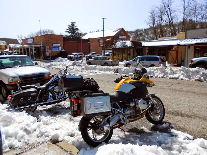 Pasando frío en moto