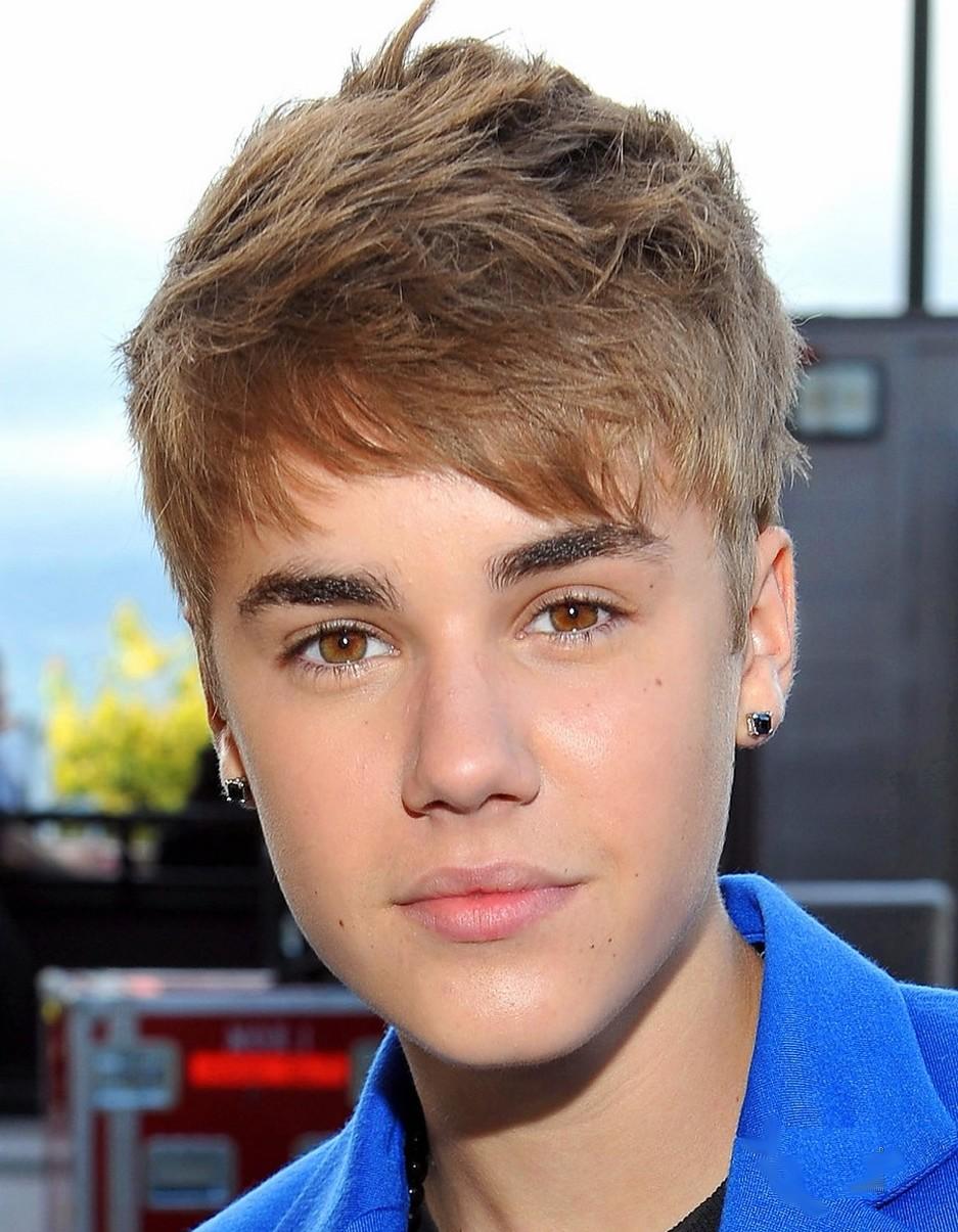 Justin Bieber Ear-Rings At MTV Movie Awards 2011