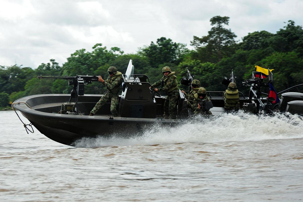Lancha piraña de la Infantería de Marina de Colombia.