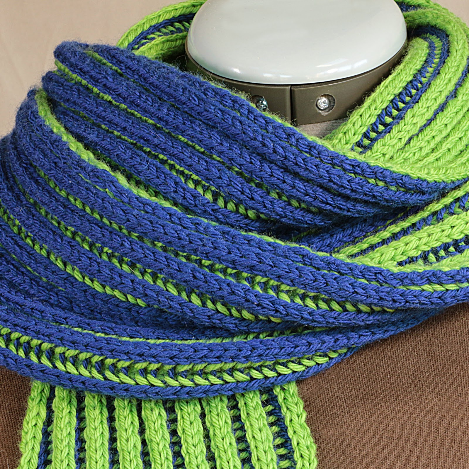 Two Color Double Knitting In The Round : Prairie willow knits double brioche scarf pattern