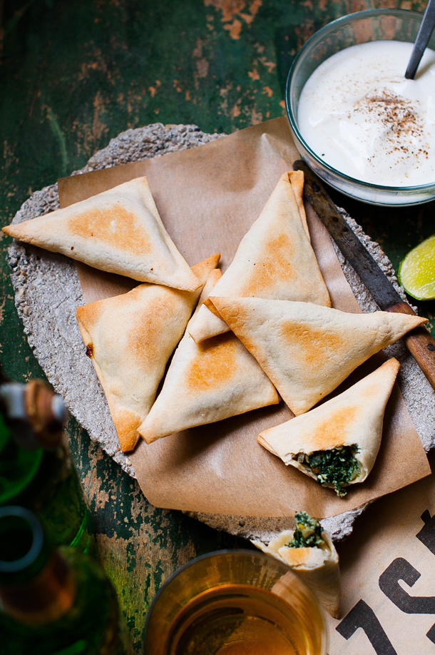 Spinach fatayer with beer and sour cream dip – or I haven't disappeared