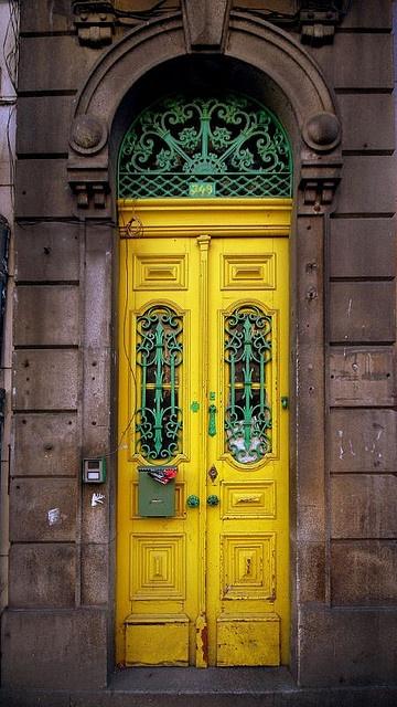 оригинальные красивые двери входные дом