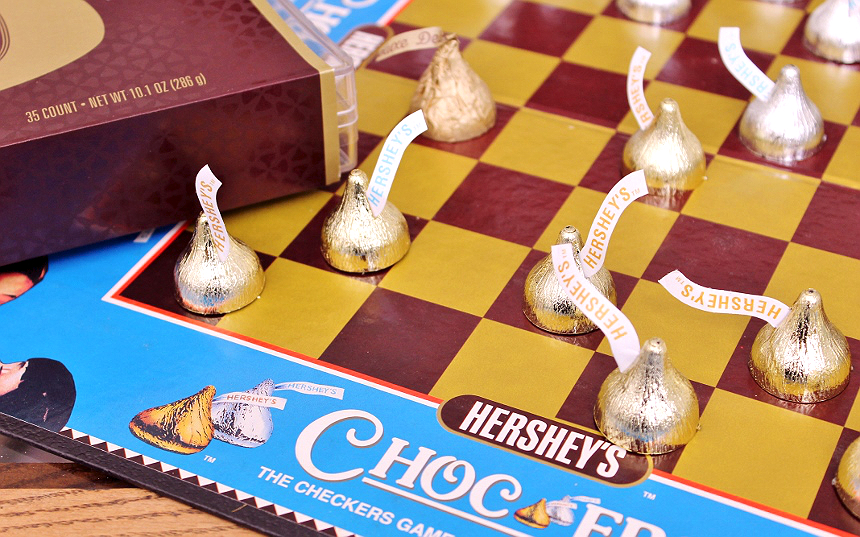 D.I.Y. Checkers Board Tray- #SayMore With Hershey's KISSES Deluxe #IC (ad)