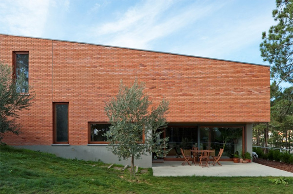 Home decorating ideas red brick casa conde modern architecture - Modern brick decorated houses ...