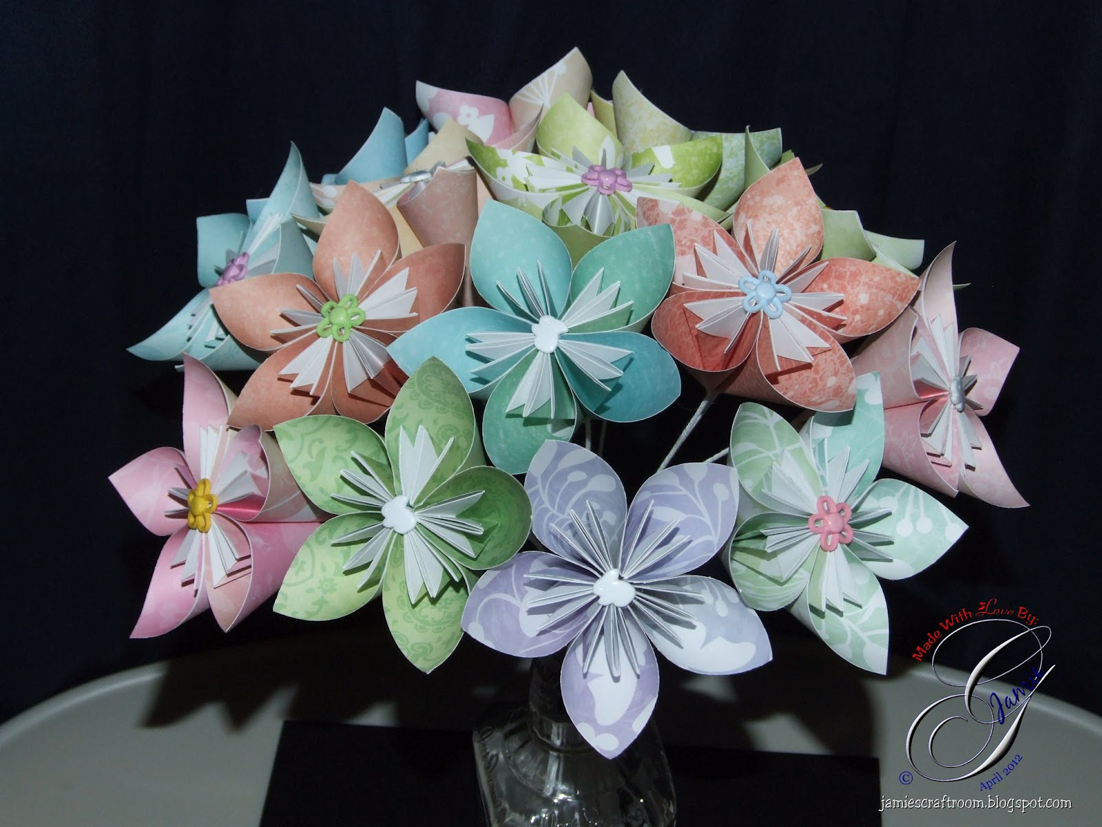 Jamies craft room kusudama flower bouquet assembly i will also be making the bouquet tighter and adding some tulle as filler after the wedding in june i will be sure to post pictures and directions on how izmirmasajfo