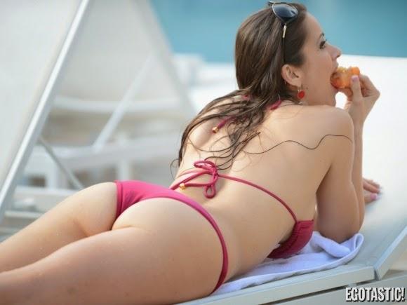Who is Anais Zanotti, Anais Zanotti bikini and lingerie, Anais Zanotti full biography, Anais Zanotti nake with boyfriend, Anais Zanotti in Miami Beach