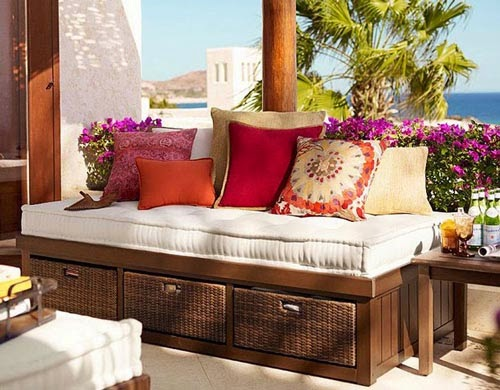si dispones de poco espacio utiliza muebles que se adapten a las de tu terraza o patio elige muebles verstiles que tengan ms de un uso