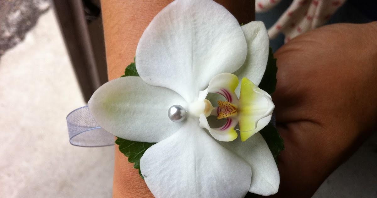 des fleurs dans les toiles bracelet demoiselles d 39 honneur pour le mariage de claire. Black Bedroom Furniture Sets. Home Design Ideas