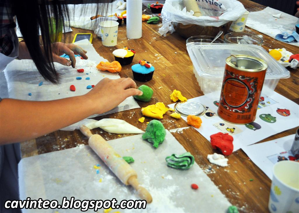 Entree Kibbles Angry Birds Cupcakes Decoration Class