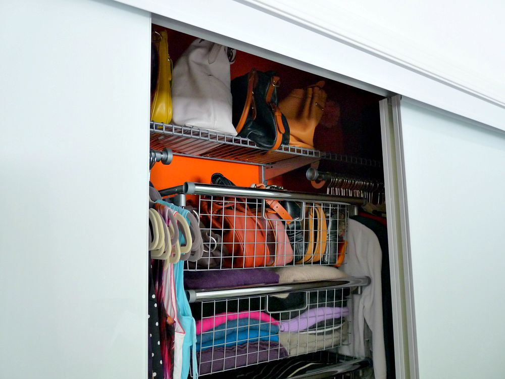 Triple sliding closet door