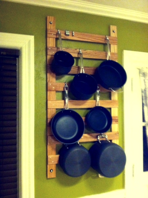 Delicieux Vertical Wall Mounted Pot Rack
