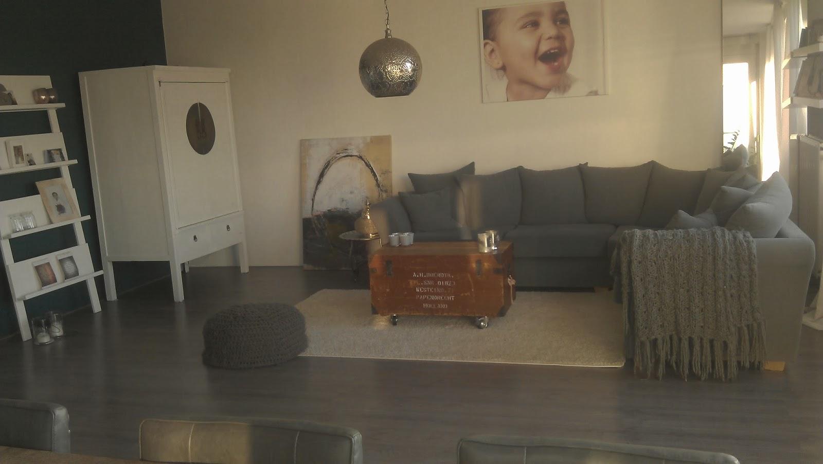 Woonkamer aan de muur grijze - Deco woonkamer aan de muur wit ...