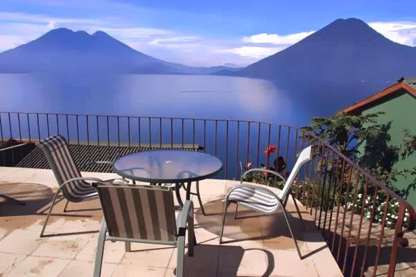 Lomas de Tzununá, Atitlan Gölü, Guatemala