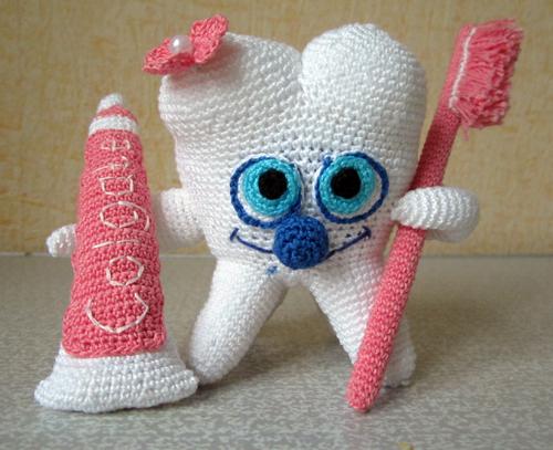 как связать игрушечный зуб