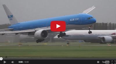 Video Cemas Pesawat KLM Berjaya Didaratkan Akibat Angin Kencang