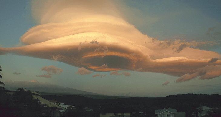 Avión secuestrado por una nube Nube