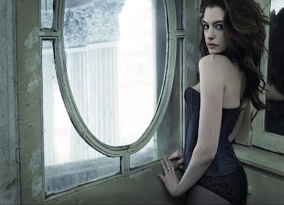 anne hathaway catwoman sexy