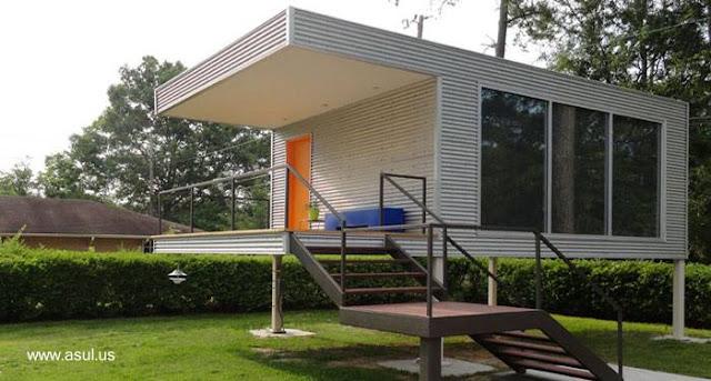 Casa prefabricada pequeña moderna sobre pilotes en Estados Unidos