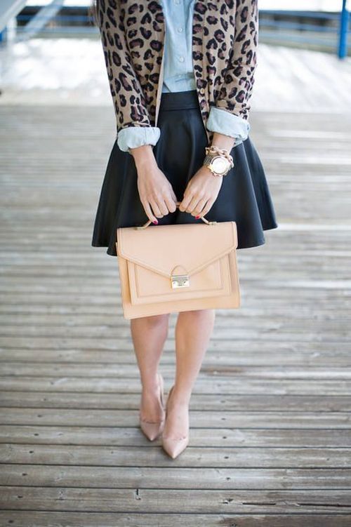 street style: chic details - neutral, animal print and gold