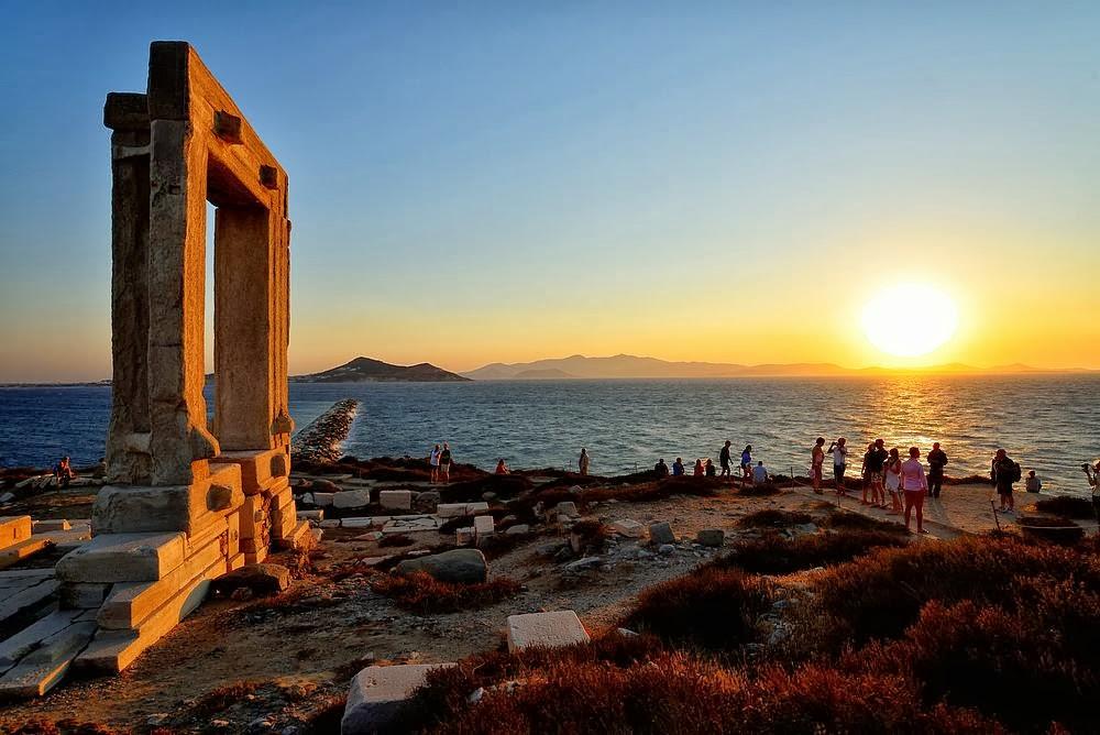 Image result for naxos tempio di apollo