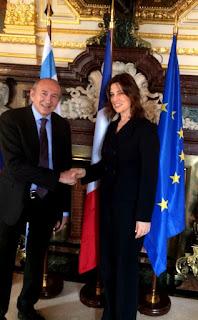 Entrevista com Aliza Bin-Noun Embaixadora de Israel na França