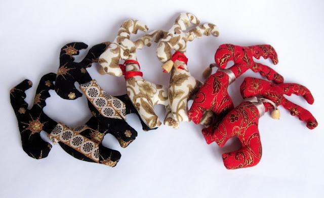 Олени, лосики, хвостики, новый год, новогодние игрушки