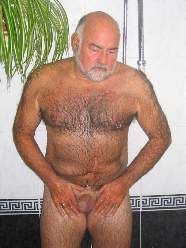 Naked daddy shower cuál