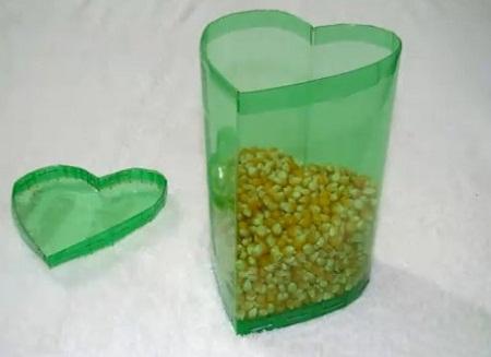 ideas romanticas con botellas de plastico recicladas dia de los enamoraddos san valentin