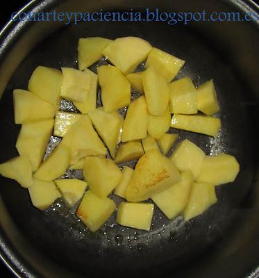Crema de espárragos con queso azul