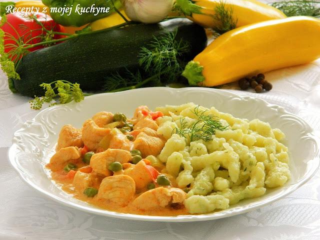 Kuracie prsia na smotane so zeleninou a cuketovými haluškami