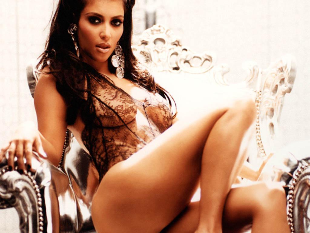 http://2.bp.blogspot.com/-dlwucBQeakw/TrOv6YkXnKI/AAAAAAAAA-o/wB2q3OLzFJA/s1600/Kim-Kardashian-hq_wallpaper_beautiful_legs.jpg